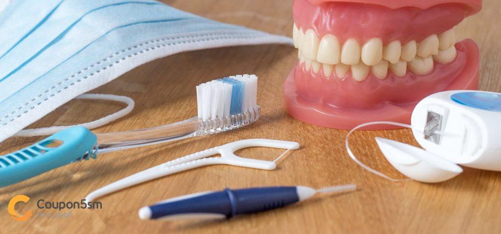 ادوات تنظيف الأسنان